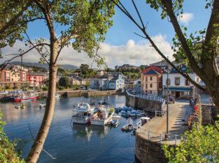 Área autocaravana en Puerto de Vega «Parking de Puerto de Vega» en, Asturias