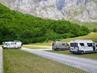 Área autocaravana en Cabárceno «Parking del Lago del Acebo» en, Cantabria