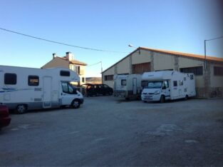 Área autocaravana en Cantavieja «Área de Cantavieja» en, Teruel