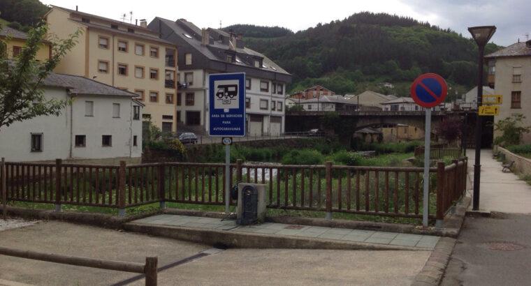 Área autocaravana en Navelgas «Area de Navelgas» en, Asturias