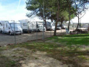 Área autocaravana en Riolobos «Área del Camping Las Catalinas» en, Cáceres
