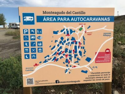 Área autocaravana en Monteagudo del Castillo «Área de Monteagudo del Castillo» en, Teruel