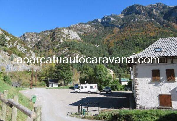 Área autocaravana en Canfranc «Parking de Canfranc» en, Huesca