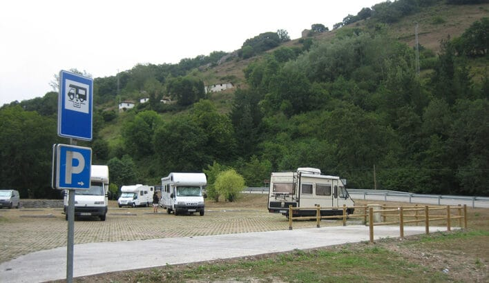 Área autocaravana en Navia «Área de la Granja» en, Asturias
