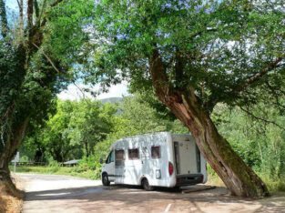 Área autocaravana en Morcín – Santa Eulalia «Área de Santa Eulalia de Morcín» en, Asturias