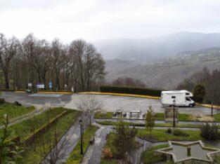 Área autocaravana en Castro Caldelas «Area de Castro Caldelas» en, Ourense