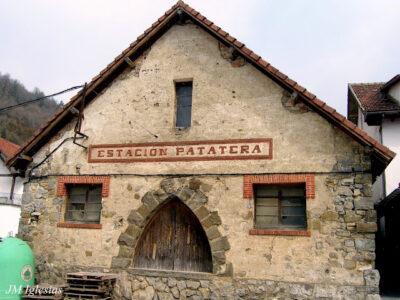 Área autocaravana en Ochagavía «Parking de la Estación Patatera» en, Navarra
