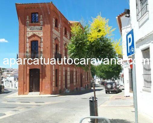 Área autocaravana en Aracena «Parking del Recinto Ferial» en, Huelva