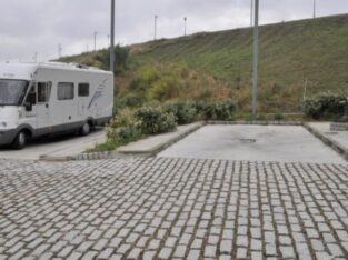 Área autocaravana en Negreira «Área de Negreira» en, A Coruña
