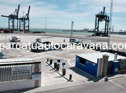 Área autocaravana en Cádiz «Parking Muelle Reina Sofía» en, Cádiz