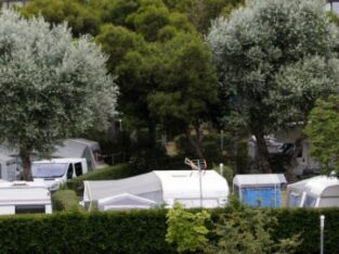 Área autocaravana en Muras «Área de Viveiró» en, Lugo
