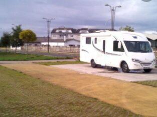 Área autocaravana en Castro Riberas de Lea «Área de Riberas de Lea» en, Lugo