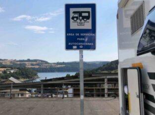 Área autocaravana en Portomarín «Área de Portomarín» en, Lugo