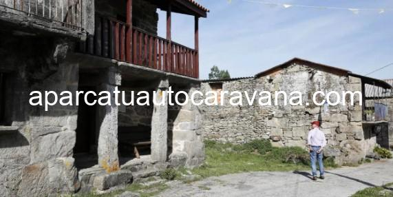 Área autocaravana en Piñor «Área de Piñor» en, Ourense