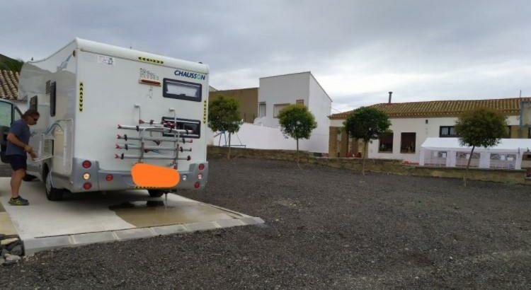 Área autocaravana en Las Pedrosas «Área de Las Pedrosas» en, Zaragoza