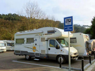 Área autocaravana en Llanes «Área de La Talá» en, Asturias