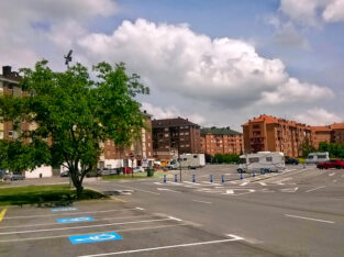 Área autocaravana en Oviedo «Área de La Corredoria» en, Asturias