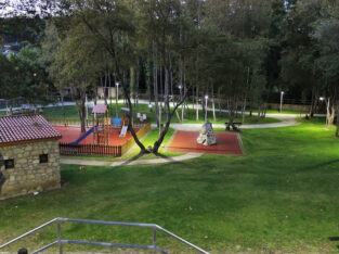 Área autocaravana en Vila de Cruces [A Carixa] «Área de A Carixa» en, Pontevedra