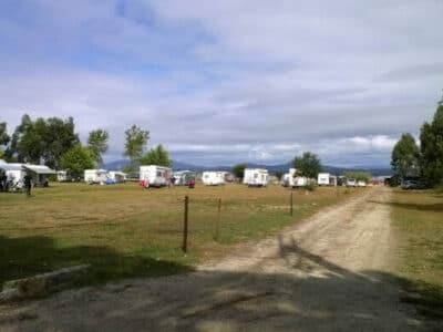 Área autocaravana en Isla de Arousa «Área de Arousa Surf Camp» en, Pontevedra