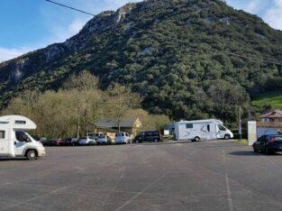 Área autocaravana en Santo Adriano [Buyera] «Parking de Buyera» en, Asturias