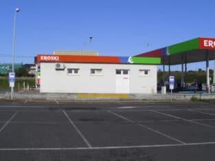 Área autocaravana en Ribadeo «Área de Eroski-Ribadeo» en, Lugo